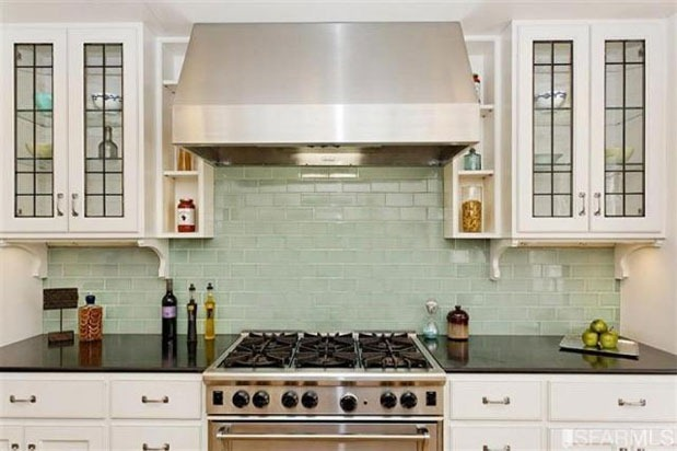 5 reasons why this ten year old kitchen is still current