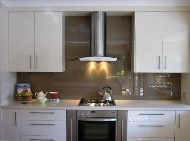 backpaint glasses glasses backsplash kitchens idea white kitchens