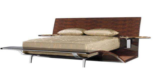 Brad-Pitt-Exotic-Bed