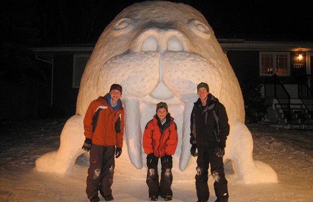 giant-snow-sculptures-bartz-brothers-2