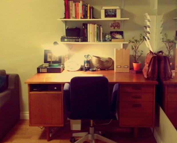 double-duty-rooms-desk