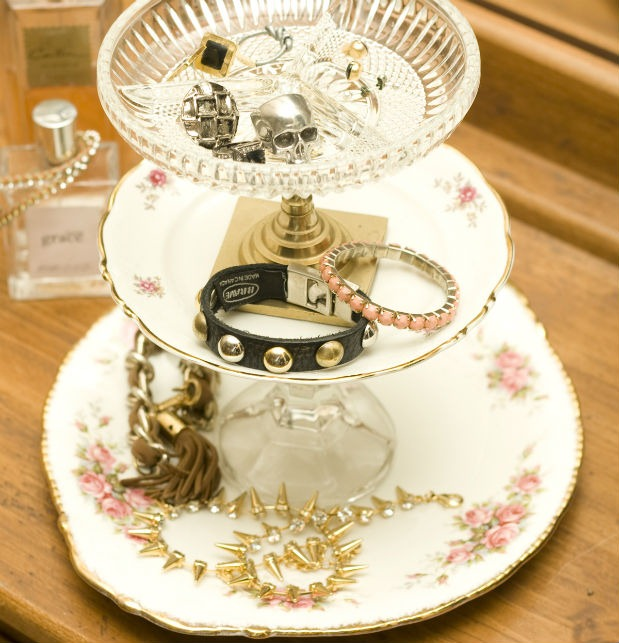 diy-vintage-jewellery-stand
