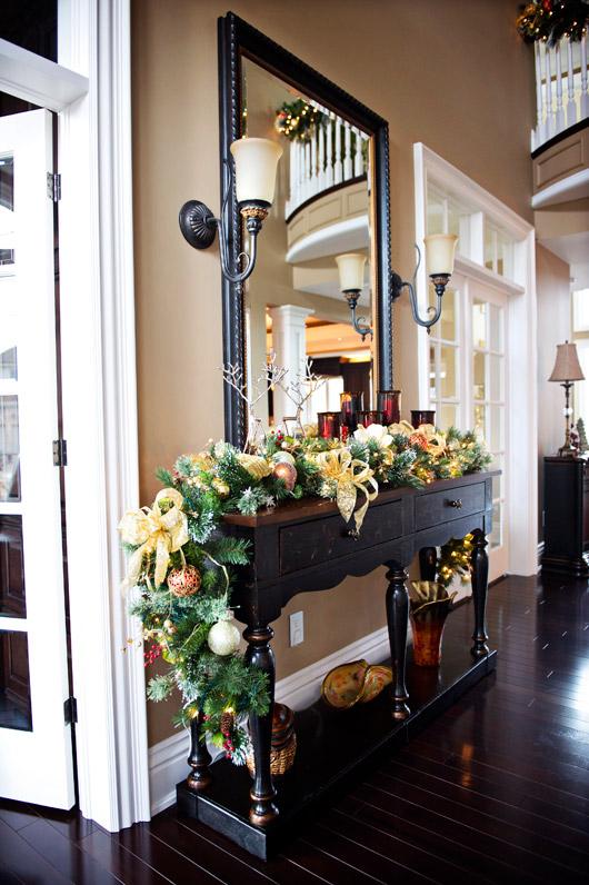 Hgtv christmas decorating specials photograph festive home for Classic house tour