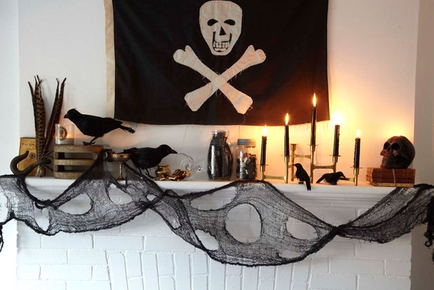 HalloweenPirateMantle4
