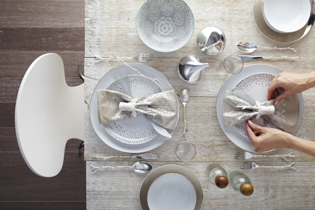 Holiday Table Settings Scandinavian Modern