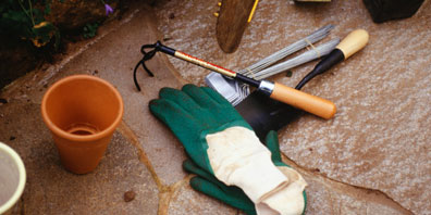 Must have garden tools and accessories blog hgtv canada for Gardening tools must have