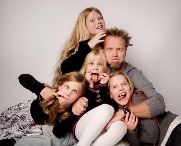 Paul-Lafrance-and-Daughters