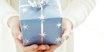 Present Your Gifts in Seasonal Style