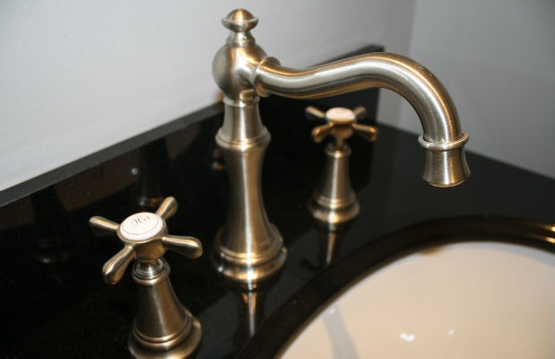 makeover-faucet