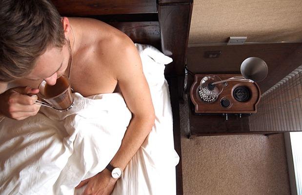 barisieur-coffee-maker-alarm-clock-joshua-renouf-1