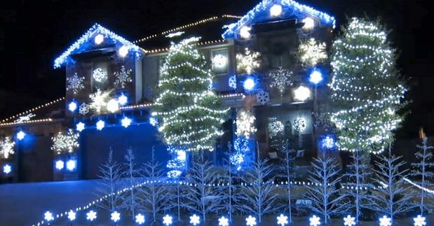 Christmas-Lights-Display-Frozen