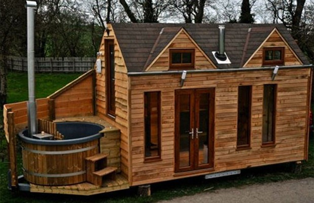 Terrific This Tiny Trailer Home Has A Hot Tub Largest Home Design Picture Inspirations Pitcheantrous