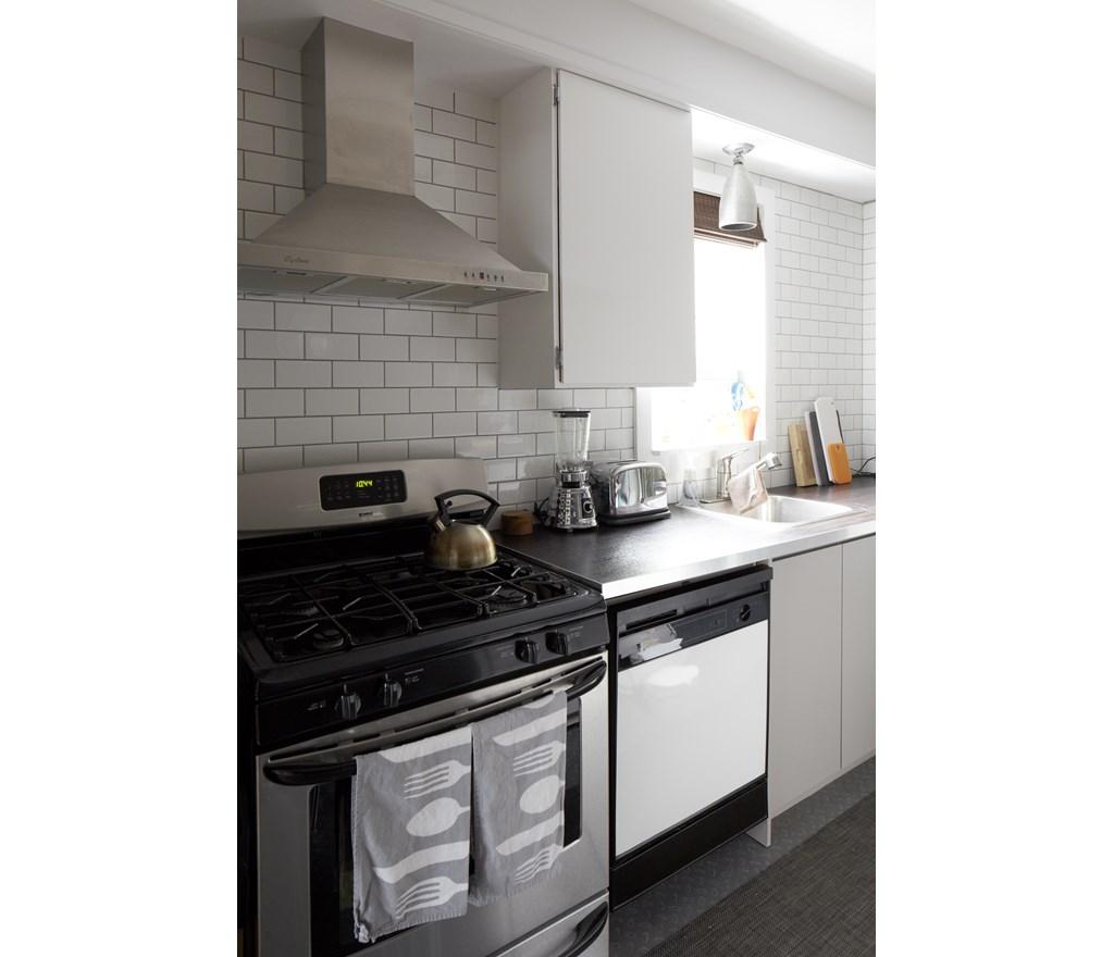 Hgtv Backsplash: Subway Tile Kitchen Backsplash