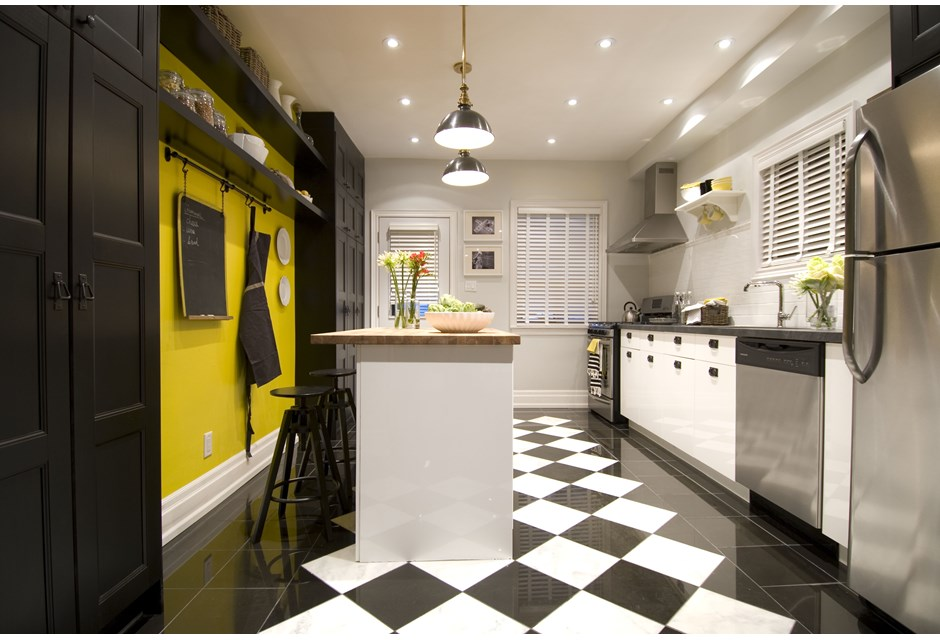Retro Black and White Kitchen Floor