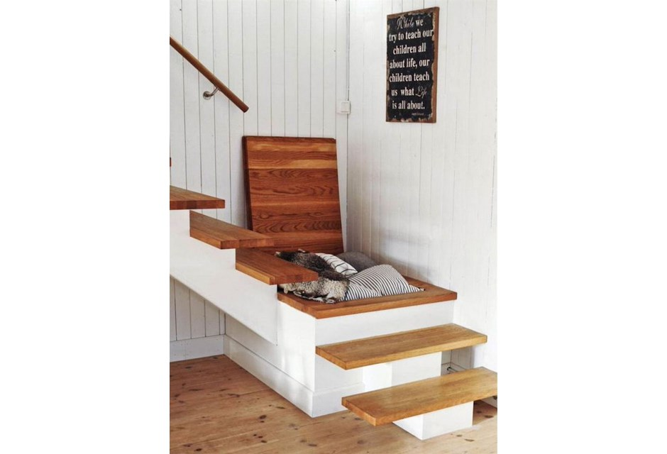 way to maximize storage space in a basement turn the stairs 39 landing