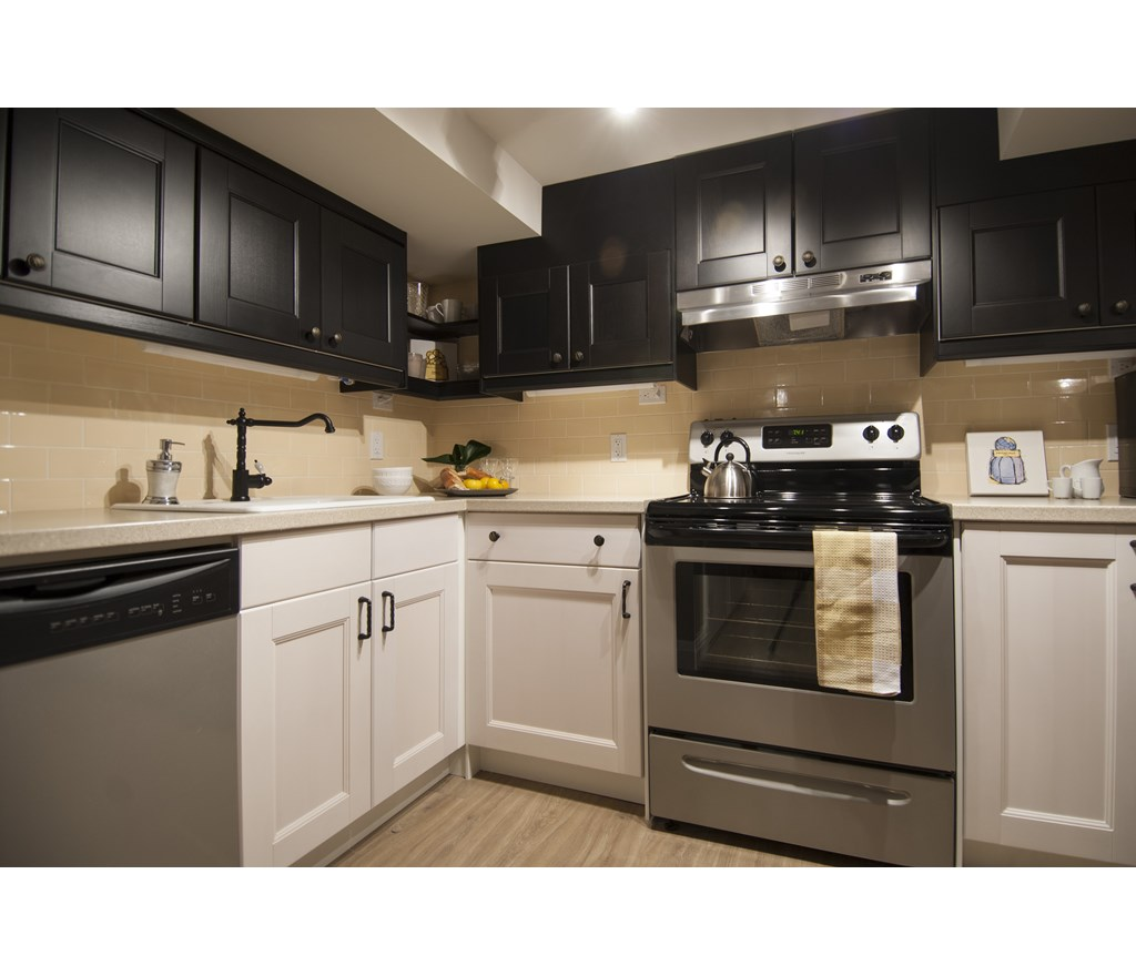 Kitchen Cabinets Hgtv: Colour Blocking Cabinetry