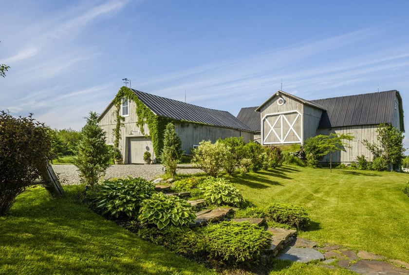 Build Your Own Dream Home Online For Fun Idyllic Farmhouse Quebec Hp Rotator