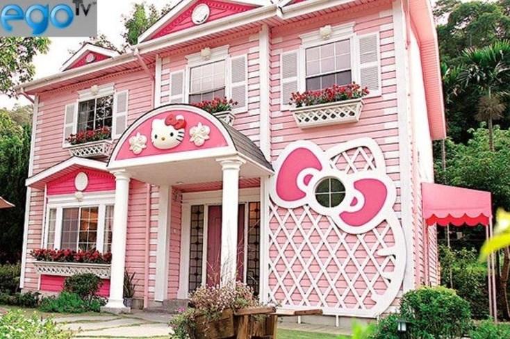 1. Hello Kitty