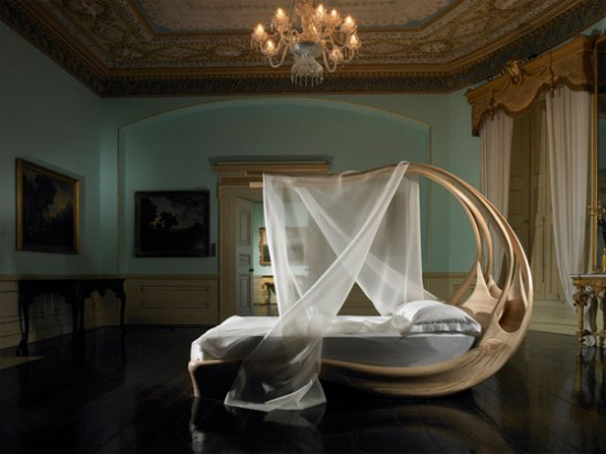 A Curved Pod Bed