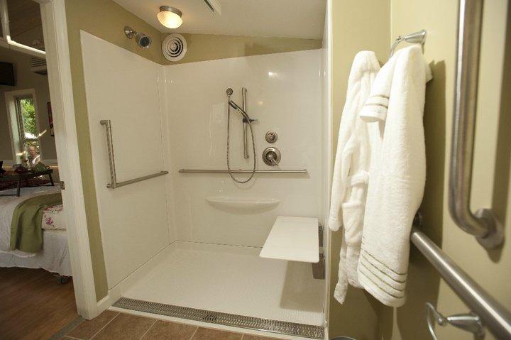 bathroom detail granny pod 2