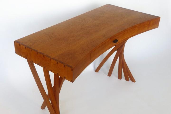 Merganzer-Desk-1