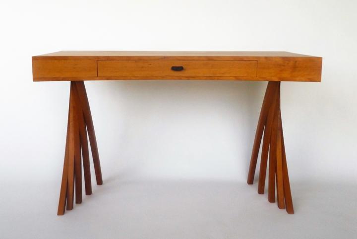 Merganzer-Desk-2