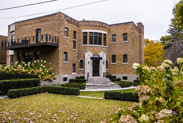 A Lovingly Restored Art Deco Home That Would Make Gatsby Swoon