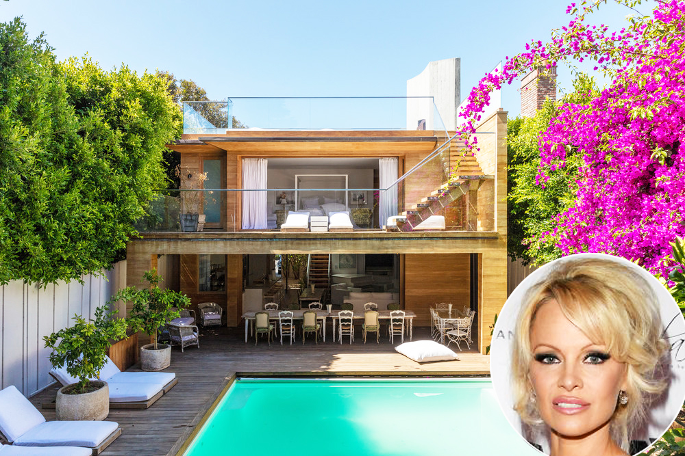 pamela anderson is renting her sweet malibu beach house for just 50 000 month. Black Bedroom Furniture Sets. Home Design Ideas