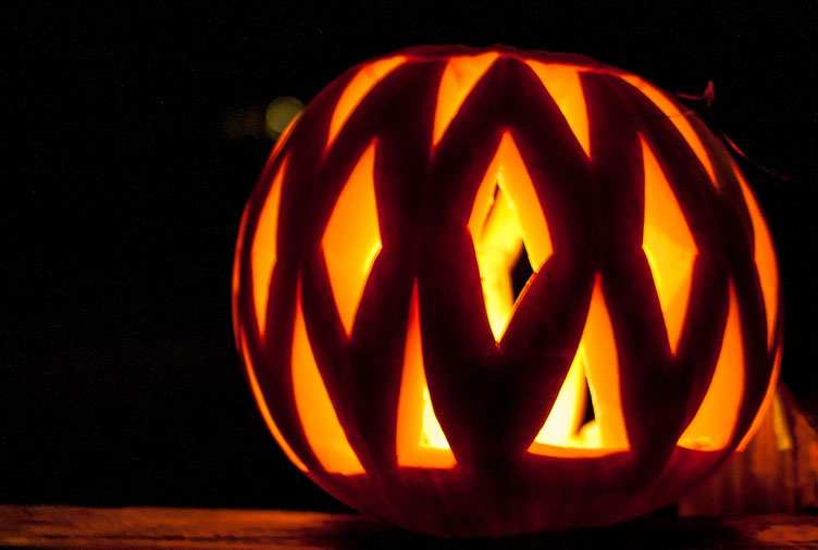 30 Cool and Creative Pumpkin Carving Ideas