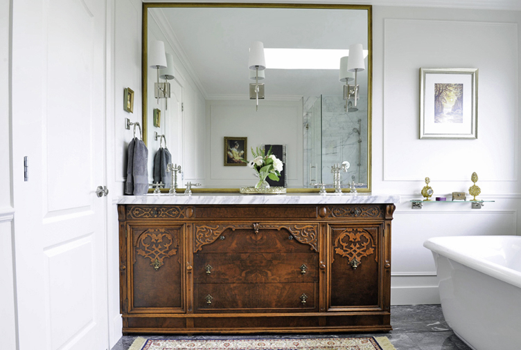 10 Ways to Bring Vintage Appeal to Your Basic Bathroom