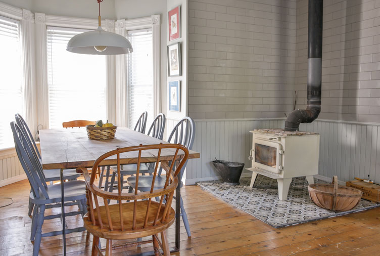 This 1840s Farmhouse Will Make You Dream of Moving to the Country