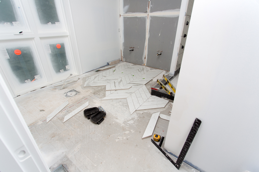 How to tile a bathroom floor and walls