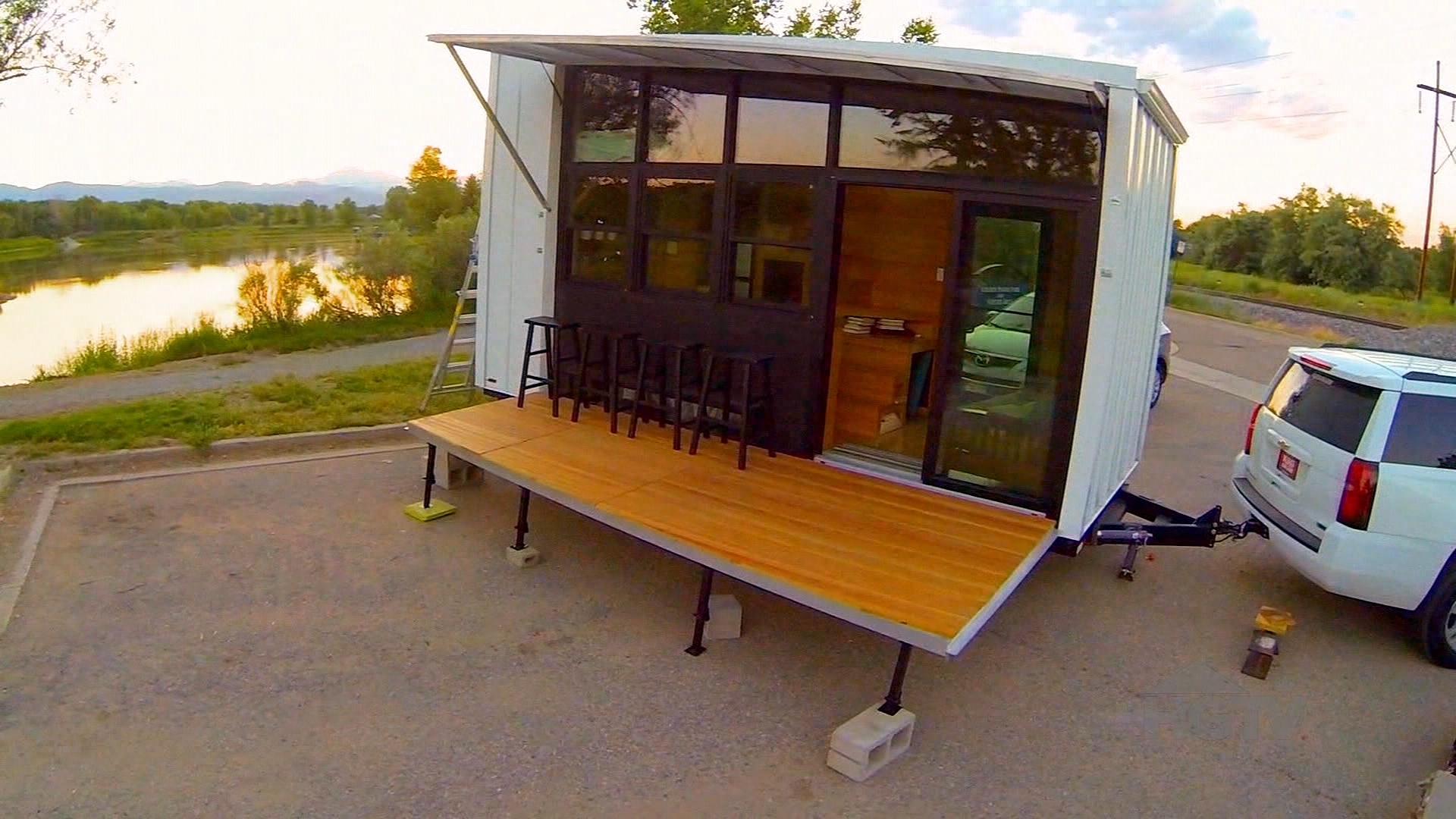 tiny house big living video tiny pool house season 08 episode 03. Black Bedroom Furniture Sets. Home Design Ideas
