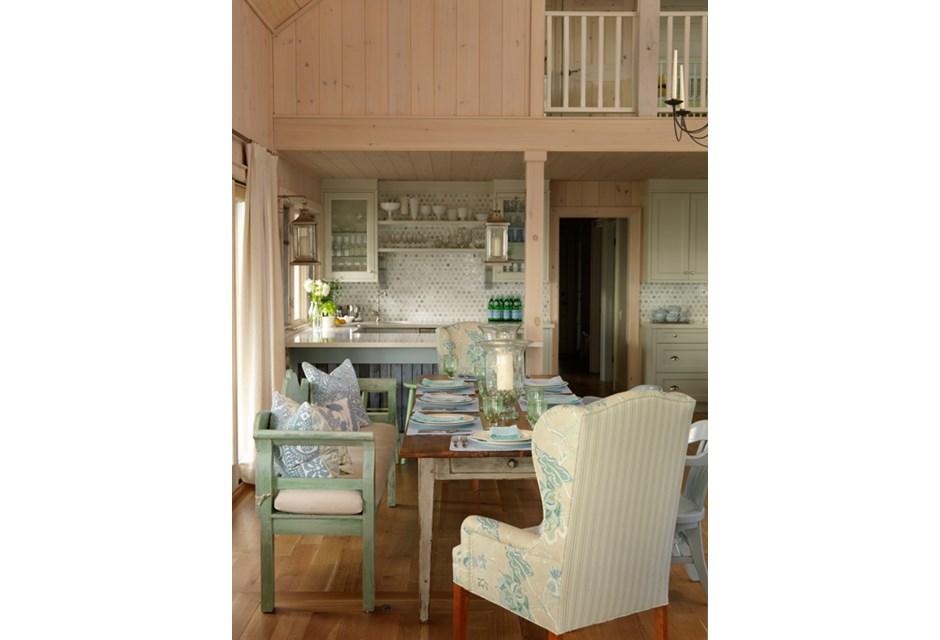 Cottage Style Decor Inspiration: Tranquil Family Retreat {Sarah Richardson}
